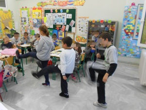 Teaching their classmates their favourite sports!